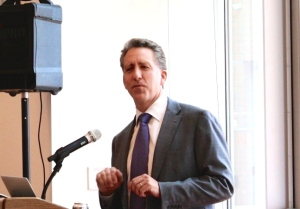 """""""Pick the thing that's most exciting,"""" Ian Waitz, Dean of the school of Engineering, told students during the annual dinner with the dean event."""